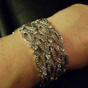 Silver tone stretch cuff bracelet